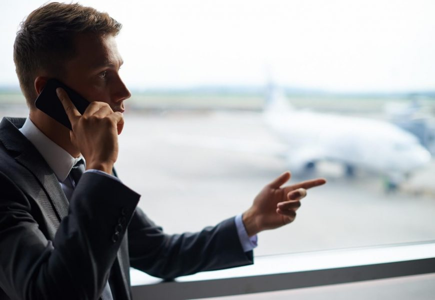 When do you need to hire a customs broker in Canada?